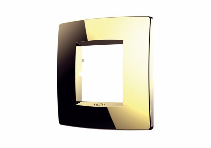 מסגרת זהב והמתג שלכם ירגיש כמו מלך בבית - ניסקו