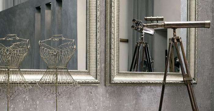 מראה מעוצבת בכניסה לבית תיצור כרטיס כניסה בלתי נשכח ושימוש נהדר לאביזרים לעיצוב הבית - זהבי גלריה לעיצוב