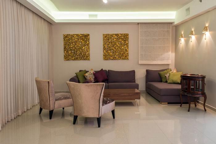 הסלון המעוצב עם נגיעות של זהב