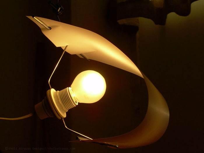 ממש כמו מפרש- גוף תאורה A4 של המעצב שולי שטראוס. צילום: יחצ