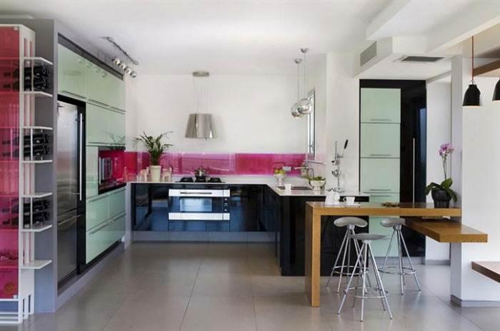 מטבח מעוצב במראה מודרני- פז מטבחים. צילום: יח