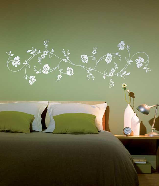 עיטור עדין לחדר השינה. צילום: גולדשטיין גלרי טפט