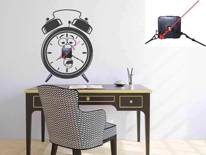 שעון משעשע לחדר העבודה. צילום: סטיק דקור