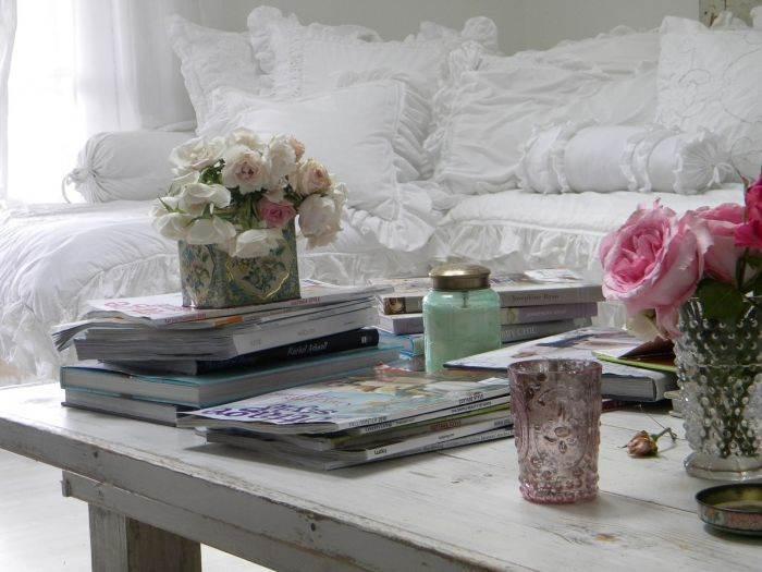 עיצוב מקסים של השולחן בסלון הבית. מתוך הבלוג: Simple me