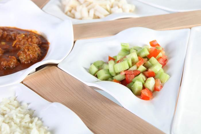 אלעד קאשי  מסטודיו FIT R&D, מעניק שירותי פיתוח מוצר לחברות ויזמים. פיט- שולחן אוכל. צילום: סשה פליט.