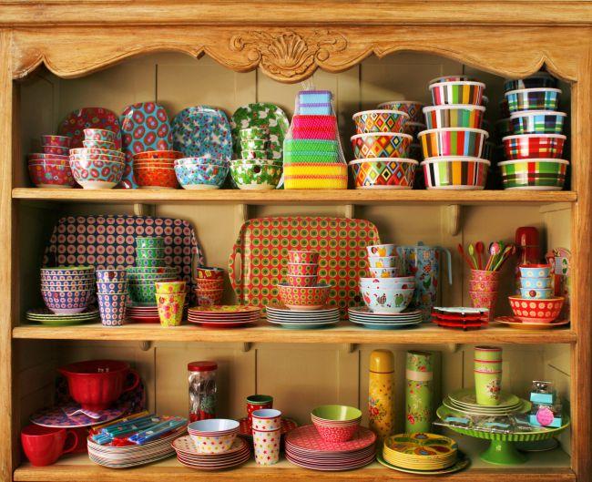 פריטי עיצוב אותנטיים מיוחדים: טורקיז בבית יצחק. צילום: אביב קורט