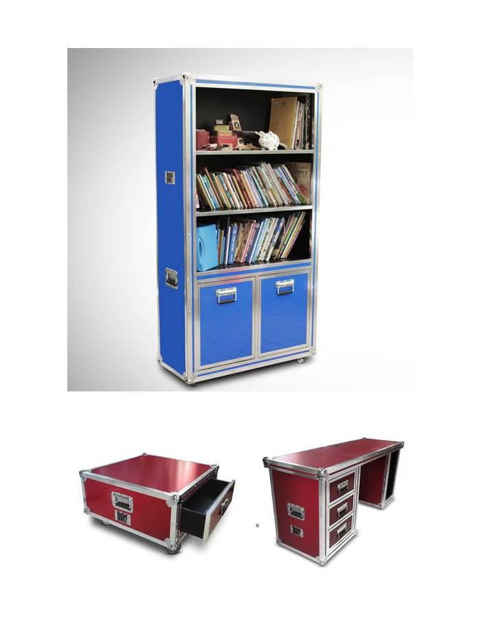 ספריה, שולחן עבודה ושולחן קפה. אינספור אפשרויות של משחק עם הקופסאות.