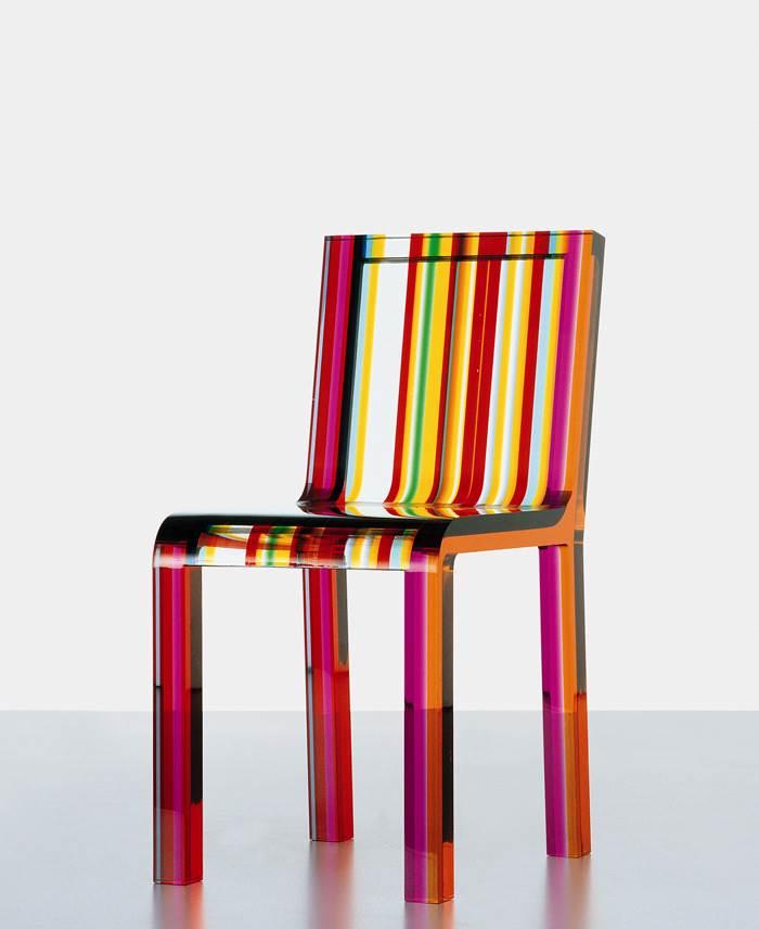 כסא RAINBOW מאקריליק של חברת CAPPELLINI. להשיג בטולמנ