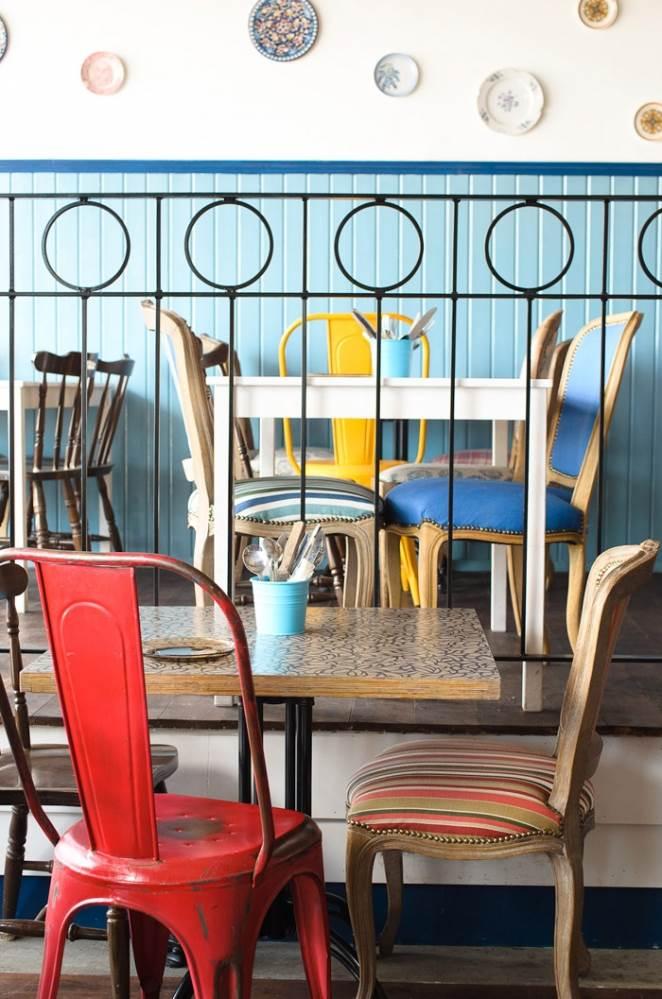 PAVELA- תכנון פנים וחוץ לבר מסעדה באשדוד. צילום: אלכס לובימוב.