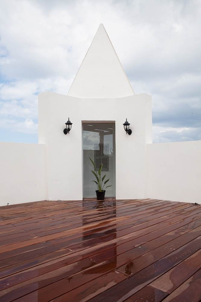 בניין הצריח- מבט על קומת הגג
