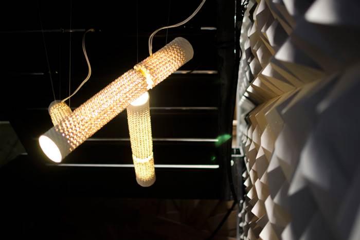 שילוב בין טכנולוגיה וחומר - גופי תאורה תלויים