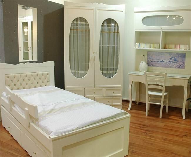 חדר שינה נסיכות במבצע ברהיטי רמות. צילום: יח