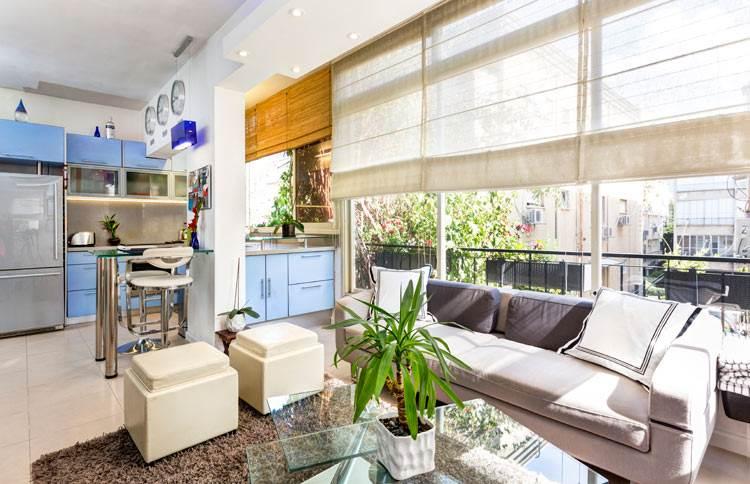 אלמנטים שקופים וקלים בעיצוב הסלון