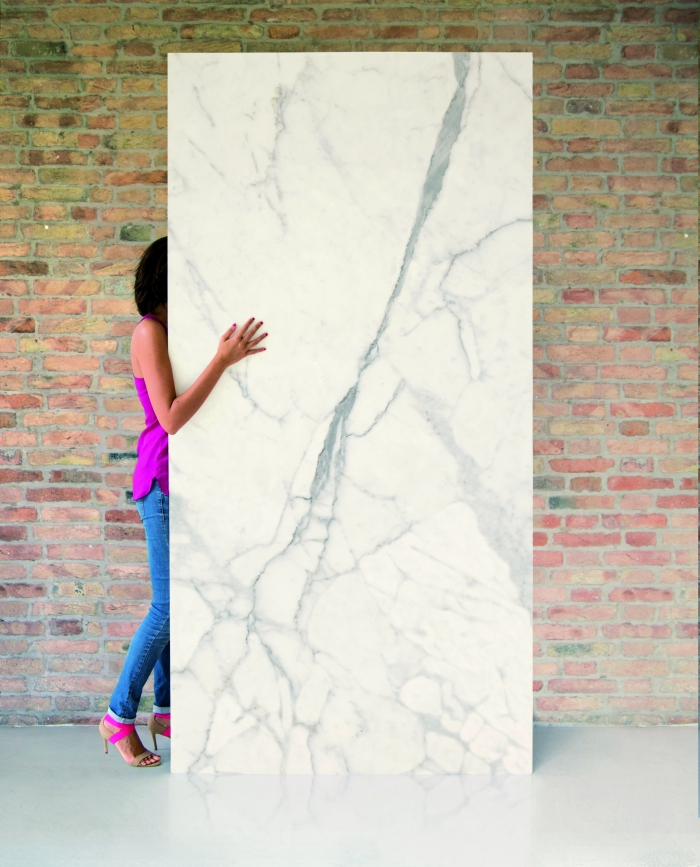 """סדרת Marble Large של חלמיש: פורצלן לאפטו מט, 6.5 מ""""מ בגודל 240*120. צילום: יח""""צ"""