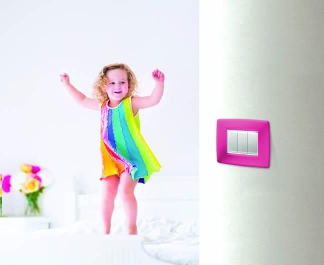 הילדים יקפצו משמחה. מתגים צבעוניים מדליקים לחדר. צילום: יח