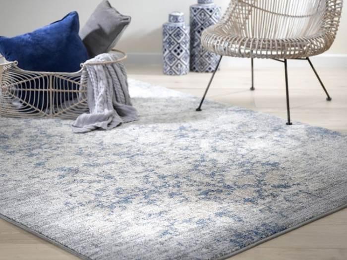 טקסטורה מיוחדת ונעימה. שטיח טיבט. צילום: ישראל כהן