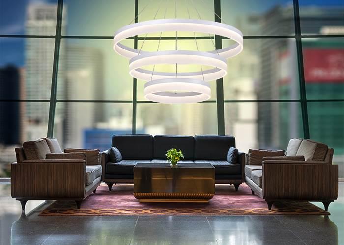 תאורת לד מחליפה את תאורת הפלורסנט המסורתית במטבח ומספקת אווירה ועיצוב חדש תוך שמירה על איכות הסביבה