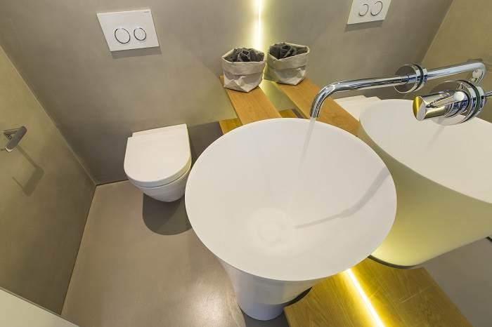 עיצוב דירת גג בנווה צדק - מבט אל חדר הרחצה<br/>צילום: רונן קוק