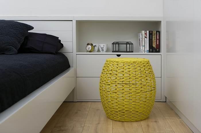 עיצוב בית בצפון תל אביב- מבט אל חדר השינה מזווית שונה. צילום: שירן כרמל.