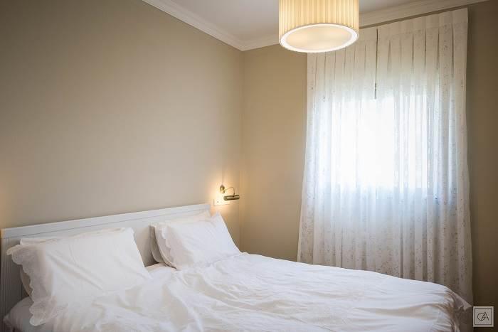 מבט אל חדר השינה <br/>צילום: עומרי אמסלם