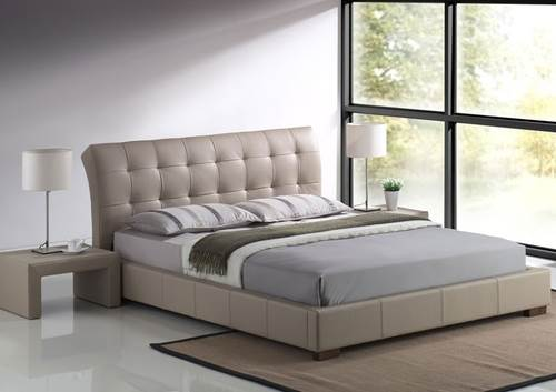 זה הזמן להפתיע את בן או בת הזוג במיטת חלומות רחבה, בעלת ראש מיטה גבוה | קרדיט: גארוקס