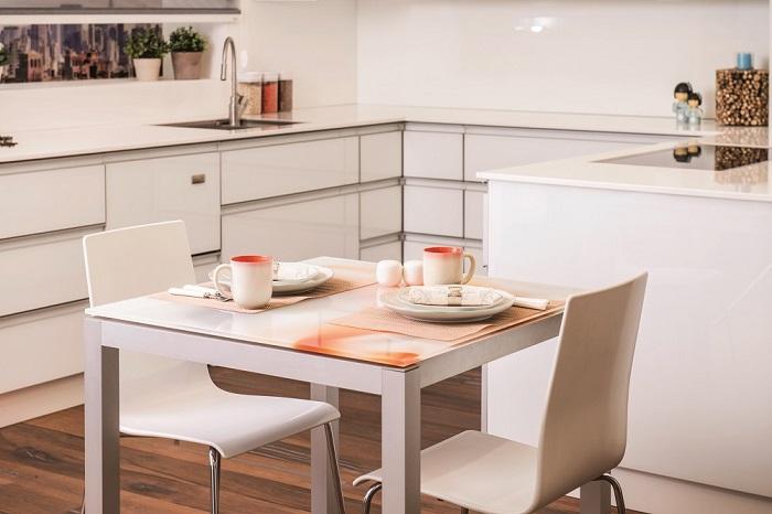 שולחן אוכל כאלמנט עיצובי בחלל