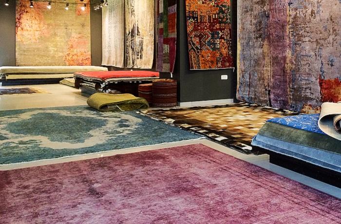 התעוזה הצבעונית והעיצובים המיוחדים שהופכים את השטיח לאובייקט המרכזי בחדר