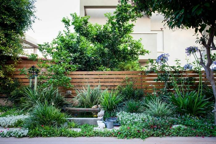 אלמנט מים בגינה כפרית, צילום: אורי כרמי