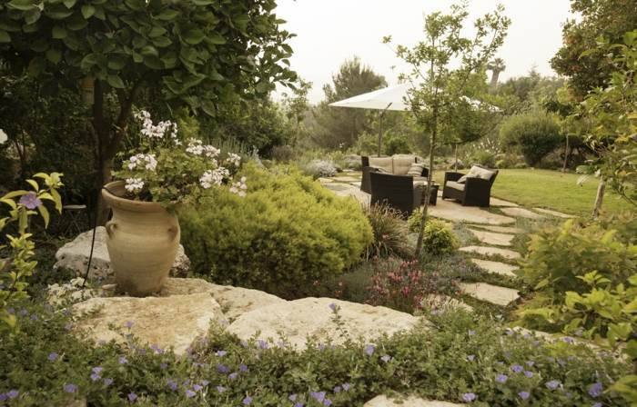 גינה כפרית במכבים, צילום: גילעד רדט
