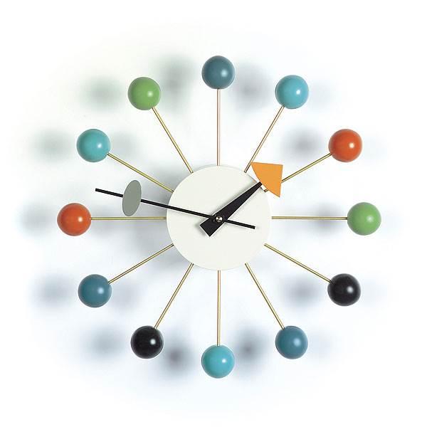 שעון כדורים בעיצובו של גורג נלסון, הביטאט<br/>(צילום: יח