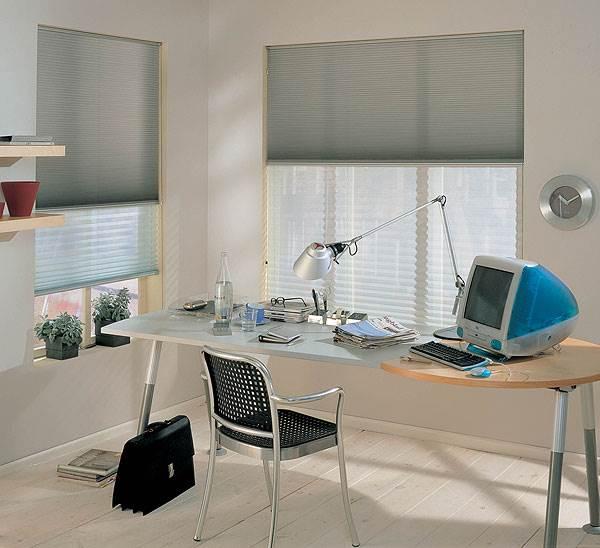 במידה ובחרתם לעצב משרד בביתכם, יש לאבזרו בכל אביזרי המשרד </br>השימושיים אך יחד עם זאת לשמור על אופי ביתי ואינטימי, אורגון</br>(צילום יח