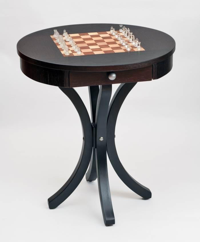 """שולחן המשמש גם כלוח שח, """"עץ המשאלות"""", (צילום: יח""""צ)"""