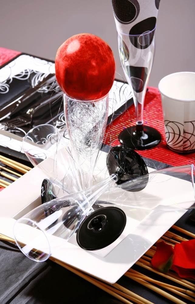 להגשה מהודרת יותר תוכלו למצוא גם גביעי יין על רגל בעלות של החל מ- 39 אג´,