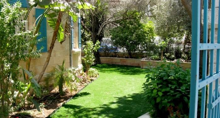 דגם מלנז מתאים למקומות בהם דשא סינטטי