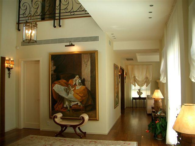 מבואה בסגנון קלאסי שתוכננה ועוצבה על ידי יולי וסרג בן דוד, (צילום: סרג בן דוד)