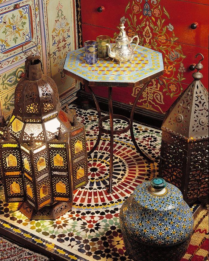 """""""הסחורה המרוקאית מאד צבעונית, לכן ניתן לבחור פריט אחד או שניים בלבד שיכולים לשנות את מראה הבית כולו"""",""""ArtMaroc"""", (צילום: יח""""צ)"""