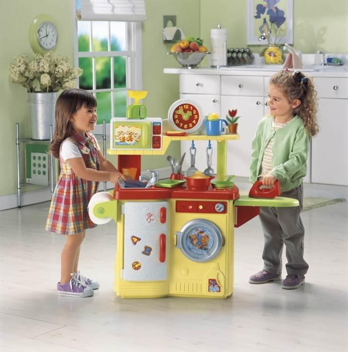 בשנים האחרונות הפכו חדרי התינוקות לג´ימבורי בזעיר אנפין, מטבח מניאטורי לזאטוטים מבית פישר פרייס, (צילום: יחצ)