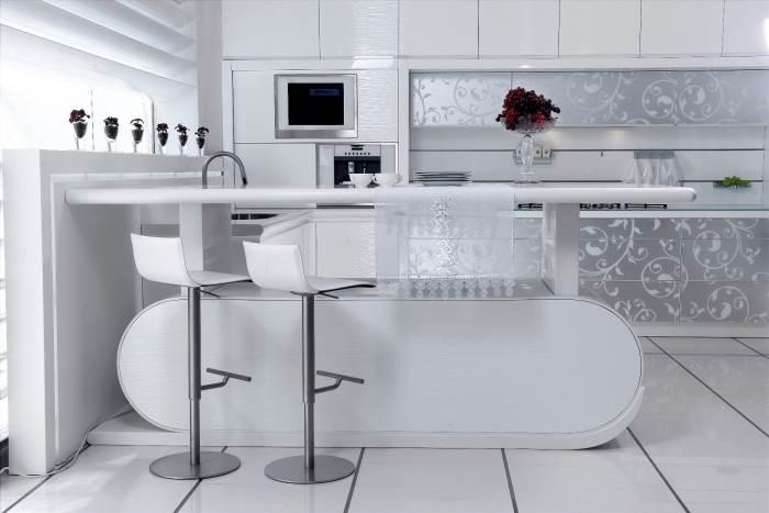 שולחן קוריאן עולה ויורד, משמש כמשטח עבודה בר במטבח וכשולחן לאירוח, מבית דקור, (צילום: יחצ)