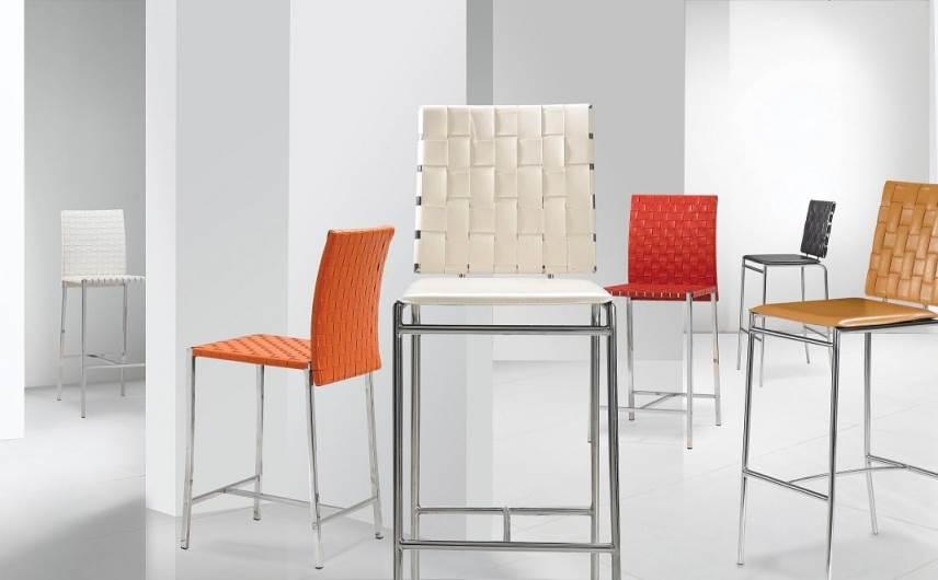 כסאות בר צבעוניים מרשת, עיצוב מיוחד ל-IDdesign, (צילום: יח