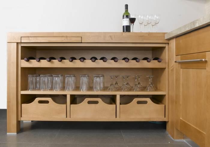 מזווה יין לבר המטבח הביתי, ניתן לרכוש בחברת