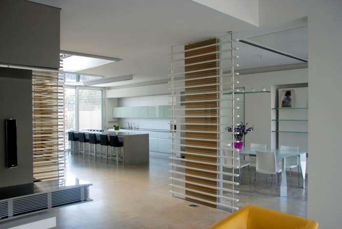 התפתחות מפותלת ומפתיעה, שהובילה לשותפות במשרד אדריכלים, חלל מגורים בתכנון Fine Arc, (צילום: Fine Arc)
