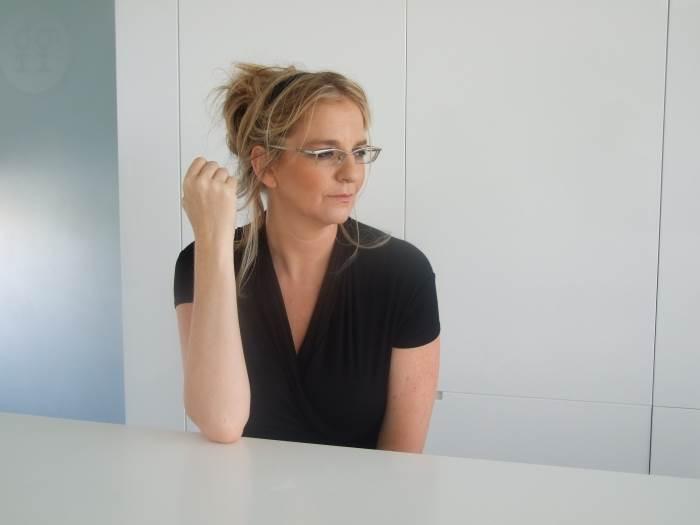ניהלה קריירה מקבילה במשך שנים, כותבת ספרי העיצוב אורלי רובינזון, (צילום: לימור זומר)