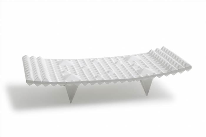 """""""עיצובים אמורפיים ומשובבי לב מקרמיקה לבנה איכותית"""", כלי ההגשה של BOSA, במחיר 536-3,800 ש""""ח, להשיג בקמחי תאורה, (צילום: יח""""צ)"""