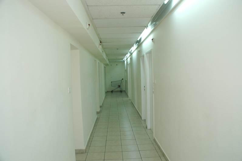 מסדרון הפנימיה בתום הצביעה, (צילום: Adira TV)