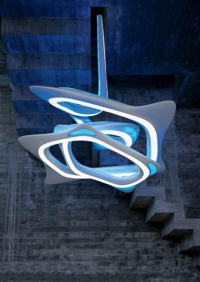 עיצוב בהשראת התפתחות העץ, המנורה האמורפית בעיצובה של זהה חדיד לחברת ARTEMIDE, להשיג בקמחי תאורה, (צילום: יחצ)