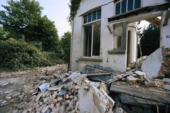 לפעמים האופציה הזולה היא הריסה ובנייה מחדש, מכת הבלתמים בשיפוץ בית ישן,(צילום: אילוסטרציה)