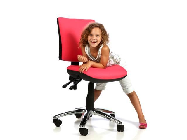 כיסא תלמיד ארגונומי מעוצב ומרופד מדגם MIKA בצבע ורוד מסטיק, להשיג בחברת