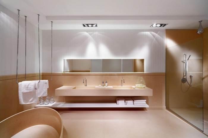 כל פריט החל מן האמבטיה, הכיור והארון ועד לרצפה והקירות ניתנים לחיפוי של משטחי הקוורץ (צילום יח