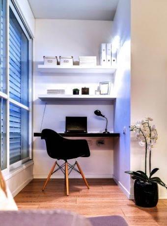 חשוב ליצור סביבה אידיאלית לעבודה - פינת עבודה בעיצוב ניצן הורוביץ. צילום: איתי סיקולסקי