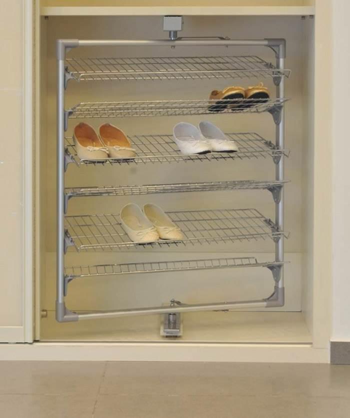 ארון נעליים צדדי יכול להיות פתרון מוצלח לאחסון - אידיאל- המומחים לארונות הזזה